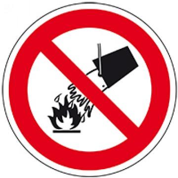 Blussen met water verboden